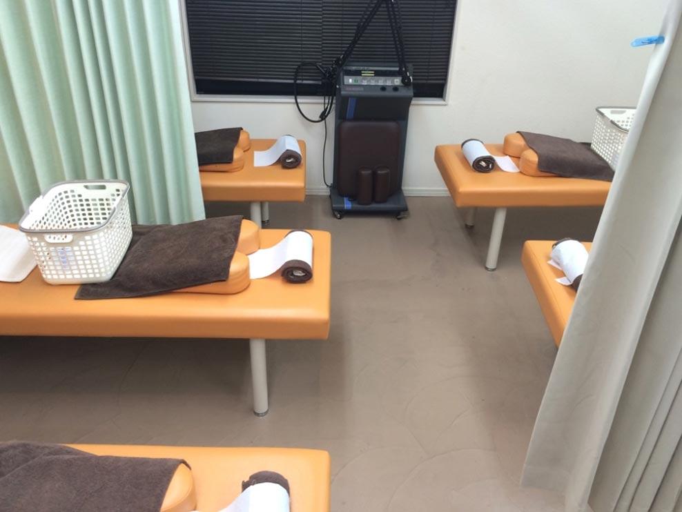 泉中央オアシス整骨院の施術室